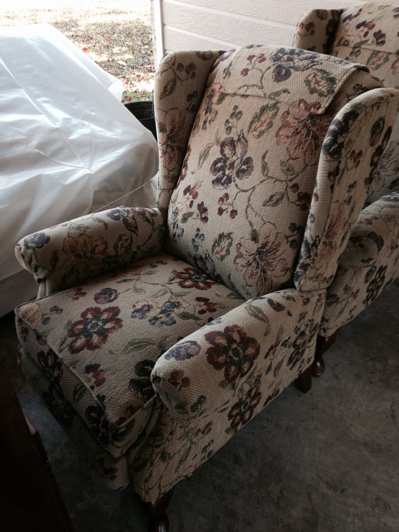 in rocking recliner chair astonishing us smothery smartly castle gliders glide barns little babies swivel pottery shermag combo ah chairs barn used toys rocker r to glider